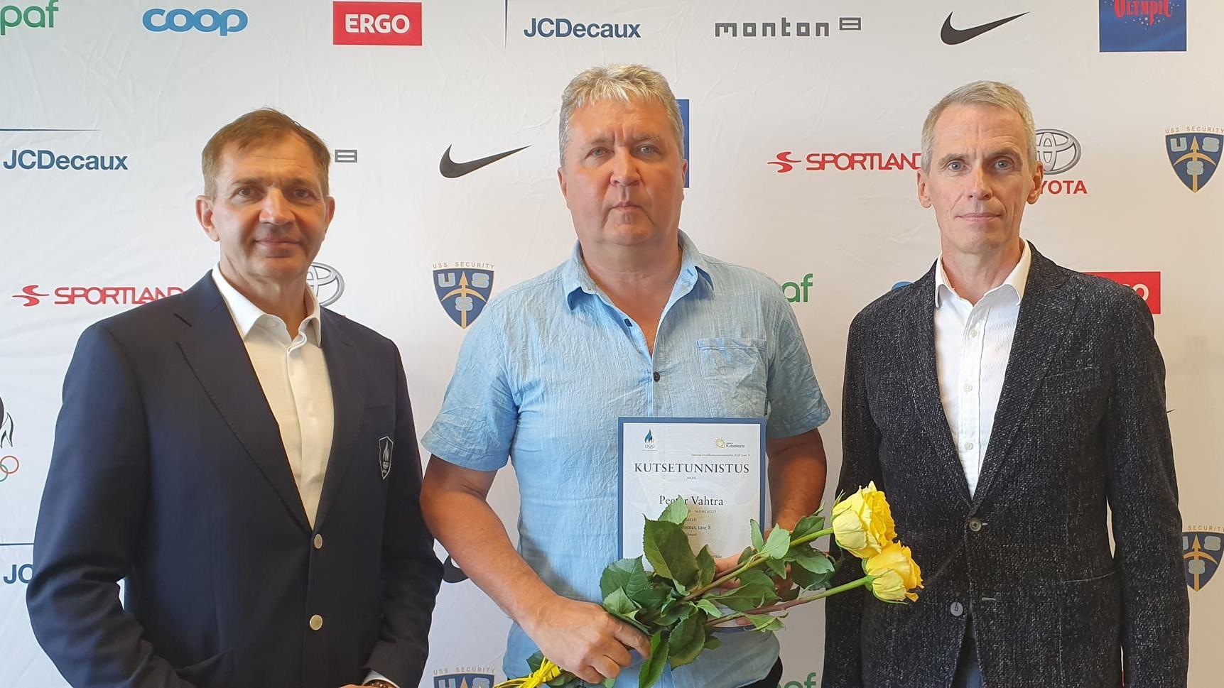 Peeter Vahtrast sai esimene eliittreeneri kutsetunnistusega Eesti võrkpallitreener