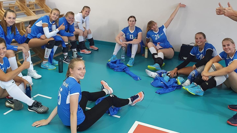 Väljakul neli temporündajat ja 16-aastane sidemängija – Tartu naiskond tegi Riias esimesi katsetusi